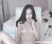 Horny girl takes it deep